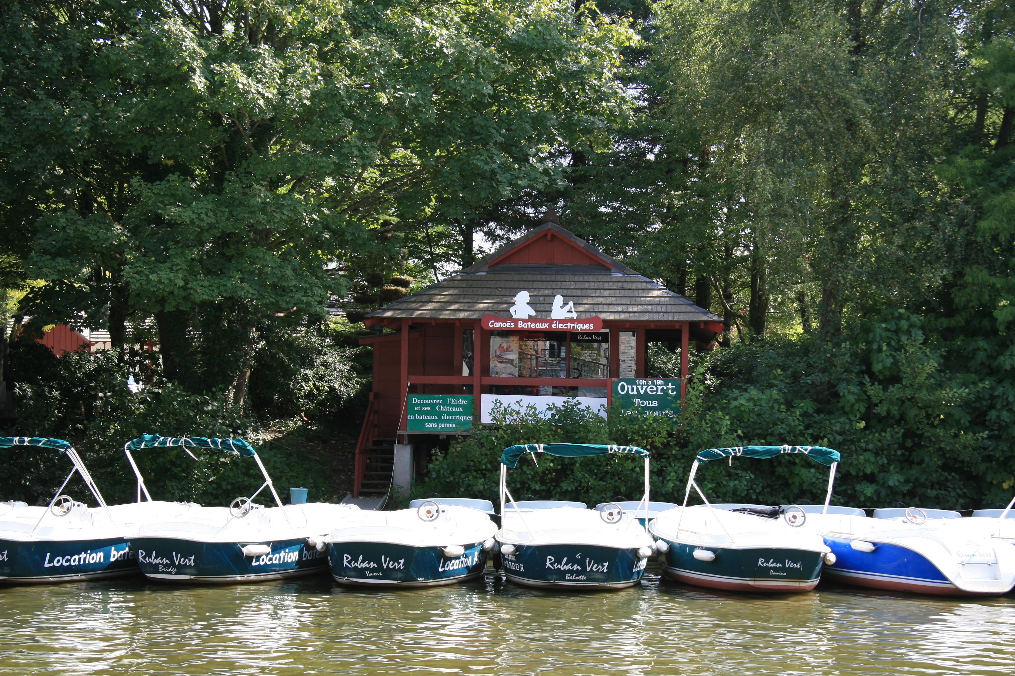 Ruban vert nantes location bateaux lectriques sur l 39 erdre for Horaires piscine vertou