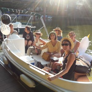 hen-party-in-nantes-boat-hire