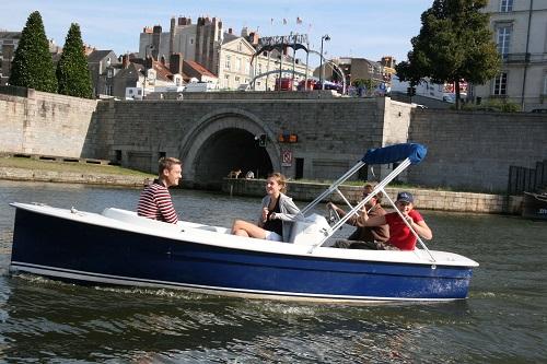 original-way-visit-nantes-boat-trip-ruban-vert