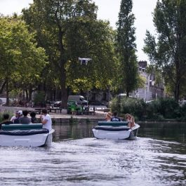 Visit Nantes by electric boat